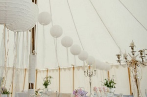 How to decorate your marquee tent